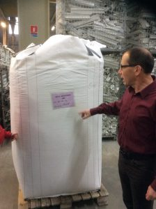 Un big bag étiqueté d'une couleur spécifique en fonction de son contenu